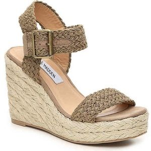 Steve Madden Natural Crochet Wedges 71/2